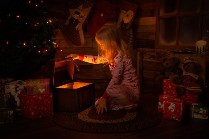 Christmas Chest 01 by DavePeruzzini - Experimental Light Photo Contest