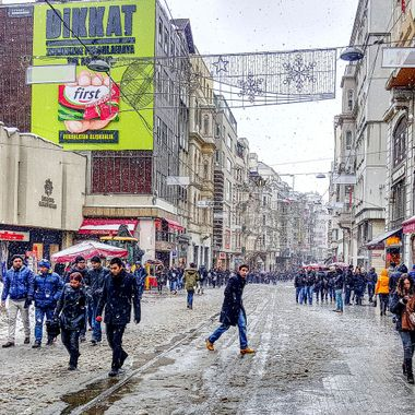 I took this photo when we were in Istanbul, in the year 2015. It was snowing that day and we decided to walk around the famous Istiklal Avenue. This photo was taken during the day.