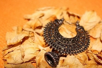 Lost jhumka.. looking for another ????#canon #phoenix #experimentalshot #a