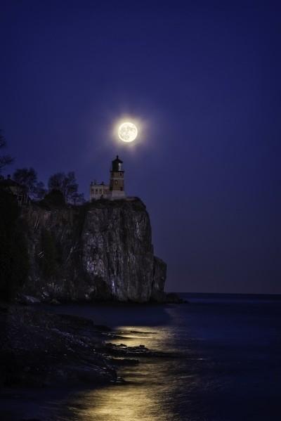 Split Rock Super Moon