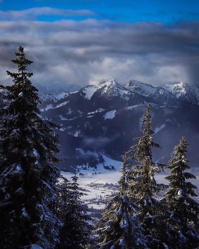Ich liebe Winter ❄️✌️ alles so schön weiß und ruhig einfach perfekt ???? #canon_official #canon_photos #travel #travelblogger #travelphotography #photography #photographer #mountains #mountainlife #fit #fitness #fitfam #outdoorlife #outdoor #bergwelt #adv