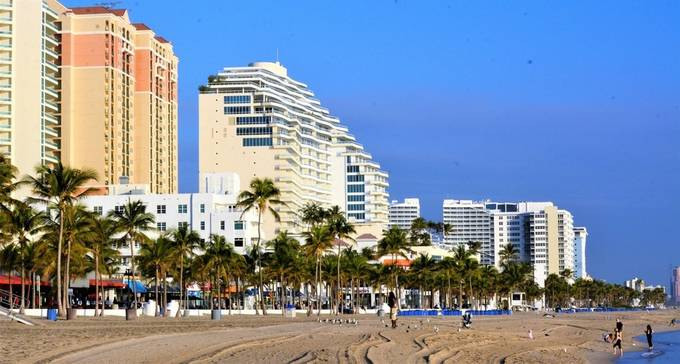 This is at the Beach looking towards the hotels at Fort Lauderdale.