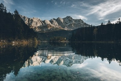 calm moments at Eibsee - Zugspitze
