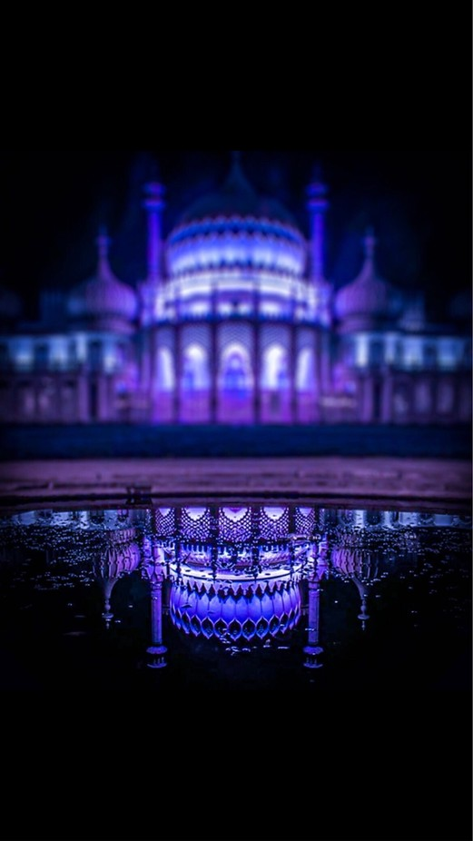 Brighton pavilion at night by lauraloo91 - Rule Of Seconds Photo Contest vol1