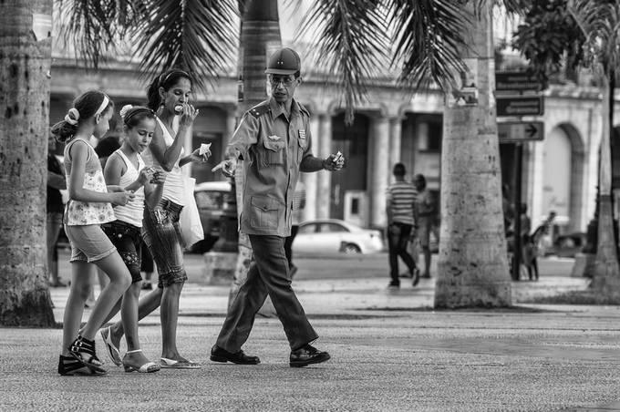 Parque central - La Habana / Cuba, streetphoto