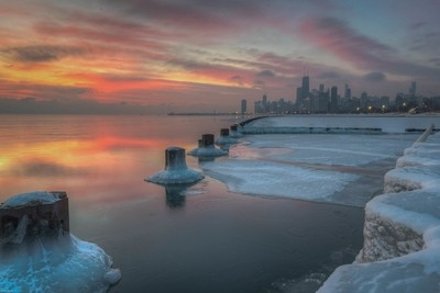 Frozen shores of Lake Michigan (Chicago)