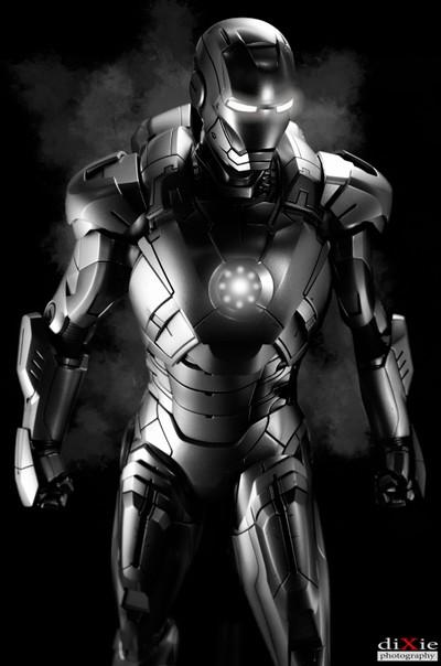 BW - Iron Man