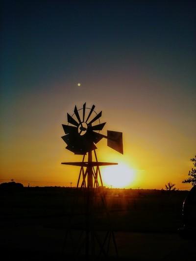 20170814_195357~2windmill