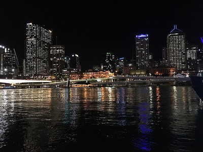 Brisbaneby night