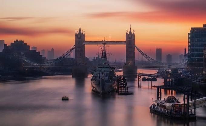 London Dawn by Richard-Beresford-Harris - London Photo Contest
