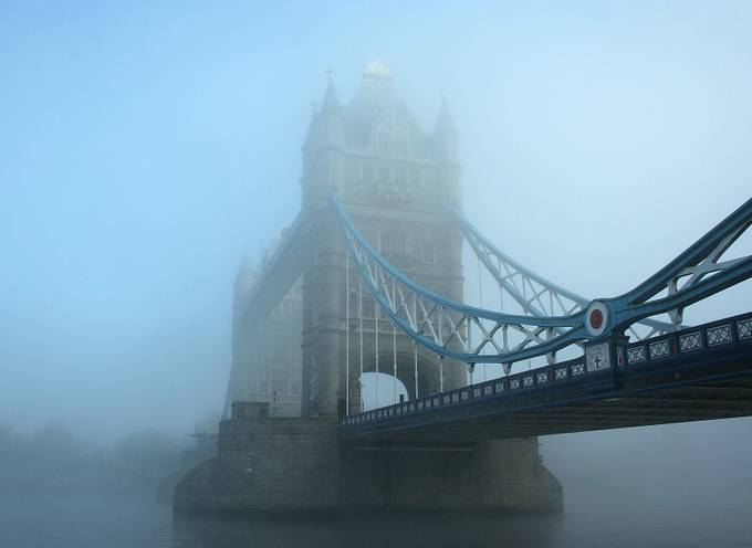 tower bridge by Jojoclarke - Fog And City Photo Contest