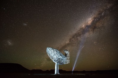 SKA radio telescope photograph in the Northern Cape.