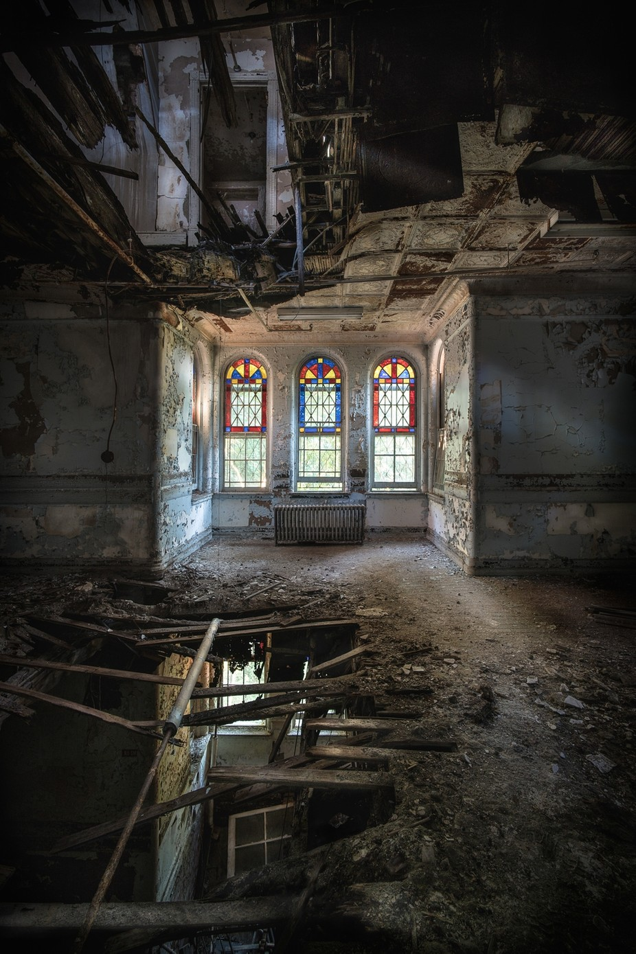 through 3 floors by traviskeyes - Abandoned Photo Contest