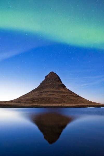 Kirkjufell and aurora