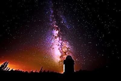 Обсерватория Санглокх на высоте 2365 метров над уровнем море(Республика Таджикистан). Млечный путь. Живые краски Вселенной. By:Canon 6D, iso 4500 одиночный кадр с выдержкой 25с, чистая фотография с приложением лайтрум.