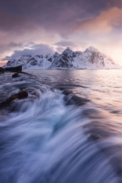 Into the Artic Seas