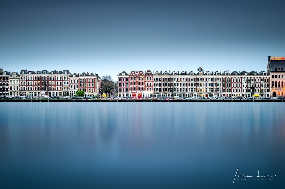 Second day in Rotterdam, walking around and waiting for the blue hour. I just loved those houses ...