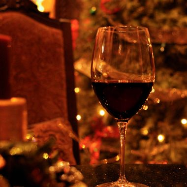 Christmas red wine by the fire at Belle Fiore Estate and Winery, Ashland Oregon