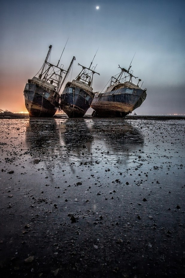 rusted ships by SNAPOGRAPHER - Social Exposure Photo Contest Vol 13