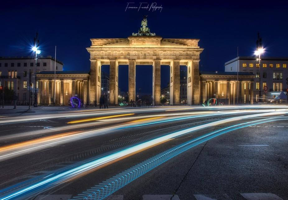 Long exposure on traffic lights, Berlin