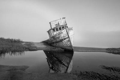 Shipwreck B&W