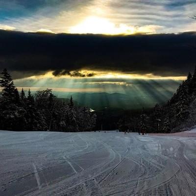Sun and clouds. Ski and corduroy. Sunway @goremountain.  #freeheellife #telemark #skiing #sun #clouds #sky #corduroy #morningsky #goremountain #sunway #newyorkoutdoors #naturalnewyork #got_greatshots #marvelouz_world #ethereal_moods #fotocatchers #photocr