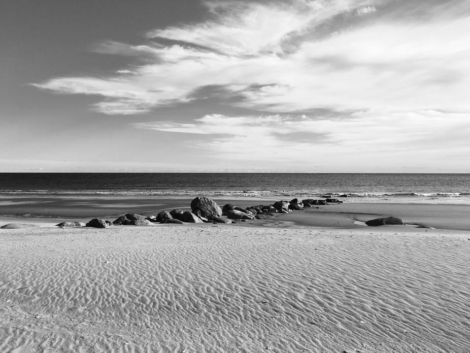 Rocks an ocean