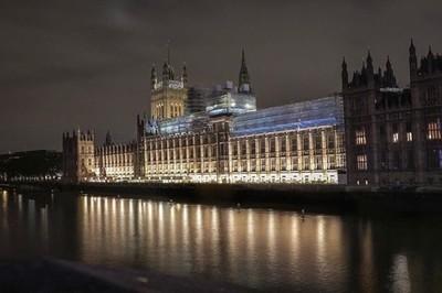 Houses of Parliament lights reflection long exposure - Westminster bridge, London