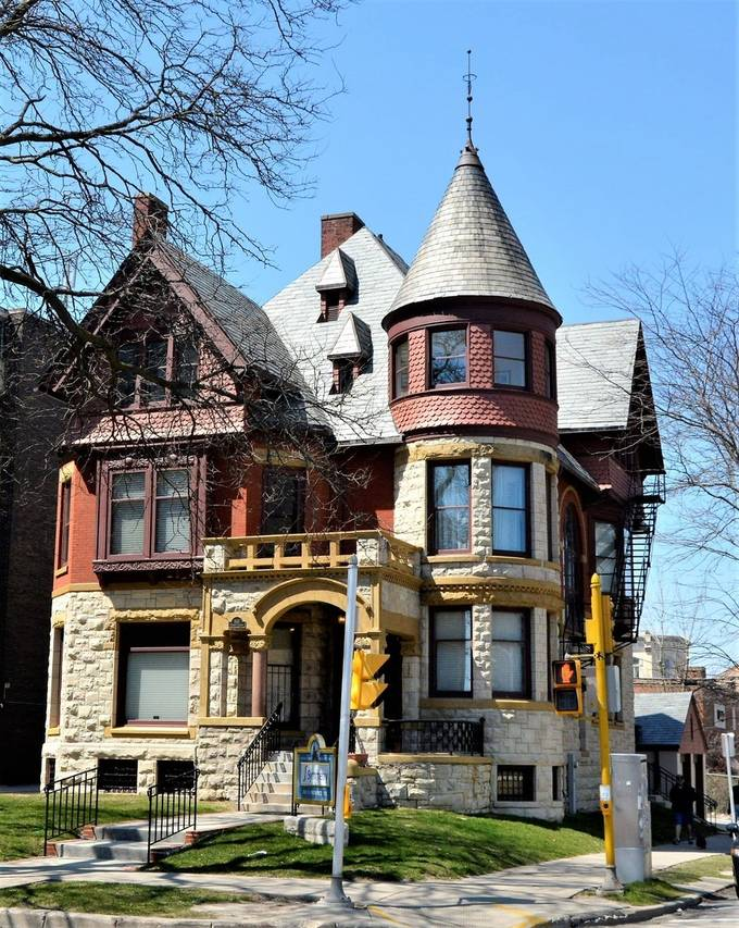 No , is not a castle, but is pretty close and it reminds me of certain castles in Europe, like in Germany. It's great to see that such buildings are kept in a very good shape, and this is in Milwaukee, Wisconsin, the photo may be a little old , never the less I am pretty sure that house is still there.