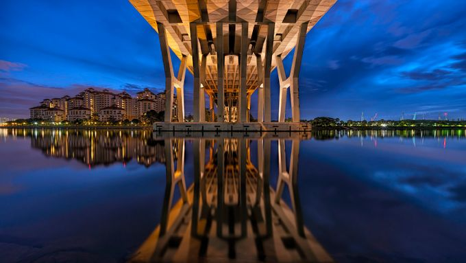 Benjamin Sheares Bridge by GkCM - Bridges In The Night Photo Contest