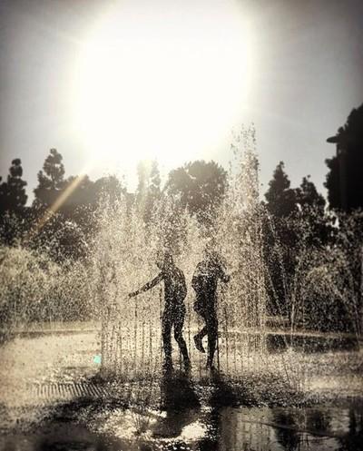 #sandiego #sunset #waterfountain #splashpad #cooldown at #heartlakecity #legoland ????????♂️☀️