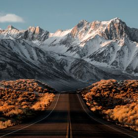 Traveling along the Eastern Sierras you will find many draw dropping views only if you are willing to wake up and watch the sun hit the peaks.