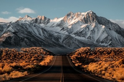Road to the Eastern Sierras