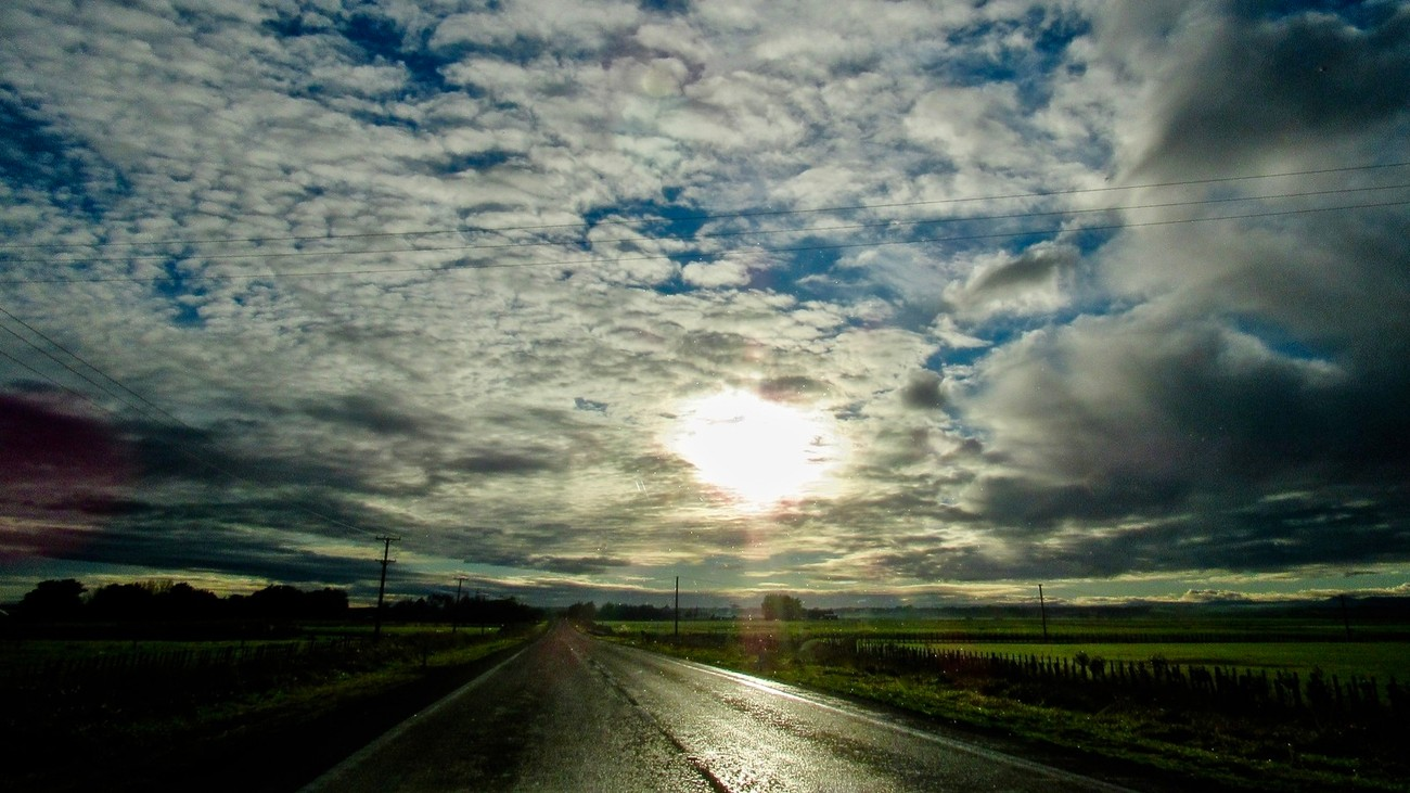 A New Zealand country road - going somewhere towards the sunset