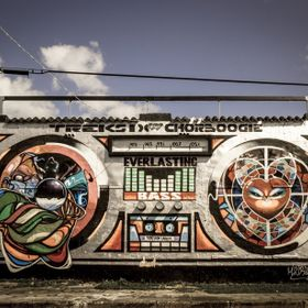 Project by Trek6 & Chor Boogie, this boom box gets a revamp every so often, making it a well known piece in the Wynwood district in Miami.