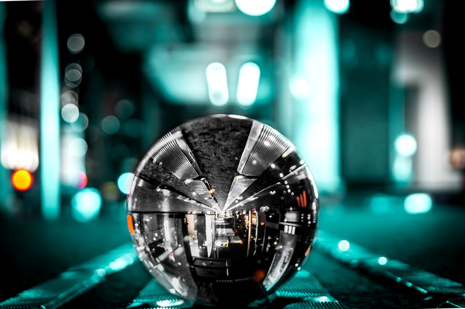 Lensball in the city