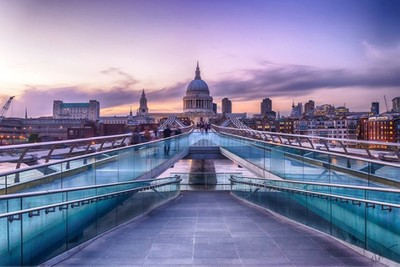 Millenium bridge & St Paul #london_city_photo #londoncity #london #lovelondon #lovegreatbritain #uk #unitedkingdom #britain #visitlondon #thisislondon #toplondonphoto #milleniumbridge #street #cityscape #city #longexposure #cities #cityscape #travel