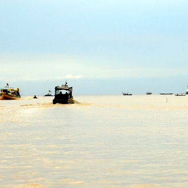 Vibrant Tonle Sap Lake in Cambodia!