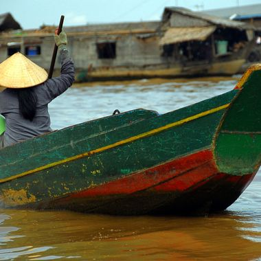Solitary paddler on the Tonle Sap Lake in Cambodia!