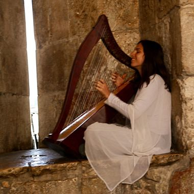 Harpist in the old city of Jerusalem!