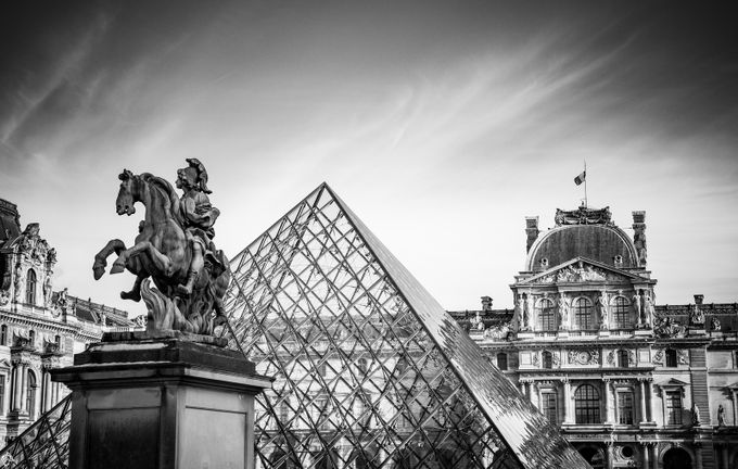 Le Louvre - Paris by alexiatantardinisutterlet - Paris Photo Contest