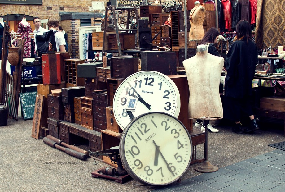 Another stall, the clocks caught my eye.
