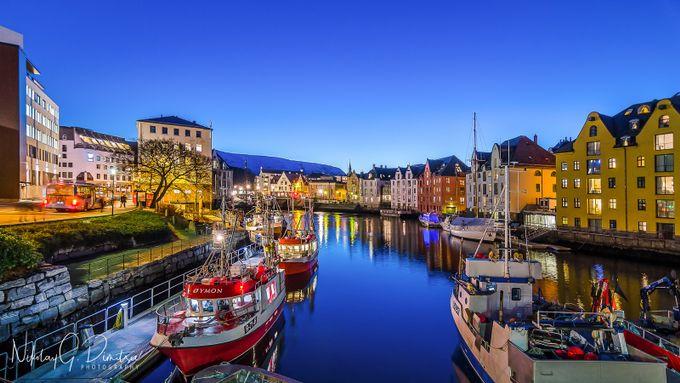 Colors of Ålesund by nikolaydimitrov - Photogenic Villages Photo Contest
