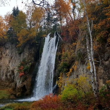 A little fall color at Spearfish Falls.