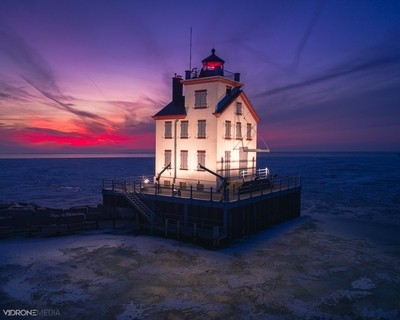 Winter Sunset at Lorain West Breakwater Light (Lorain, Ohio)