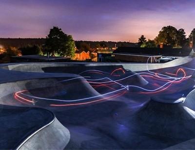 @henleyskatepark Long exposure bowl shot - Henley skatepark . . . . #henley #henleyonthames #skatepark #henleyskatepark #oxfordshire #bowl #skatebowl #sunset #longexposure #longexposure_shots #light #lighteffect #lighttrails #skateboard #bmx #photo #photo