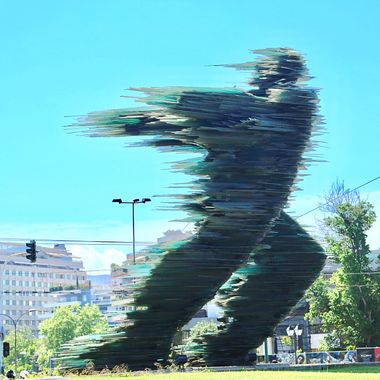DROMEAS, the runner man glass sculpture in Athens!