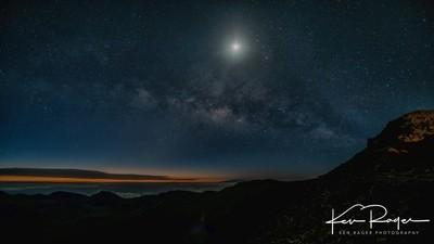 Halealaka - Starry Starry Night