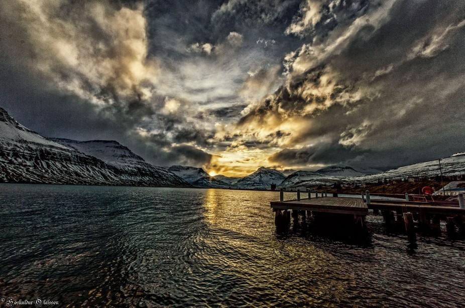Sunset in winter)