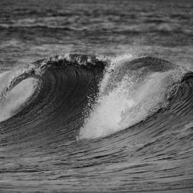 Crashing Surf BW